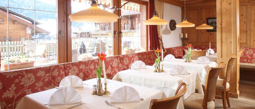 Hotel Berghof, Alpebach, Austria - restaurant.jpg